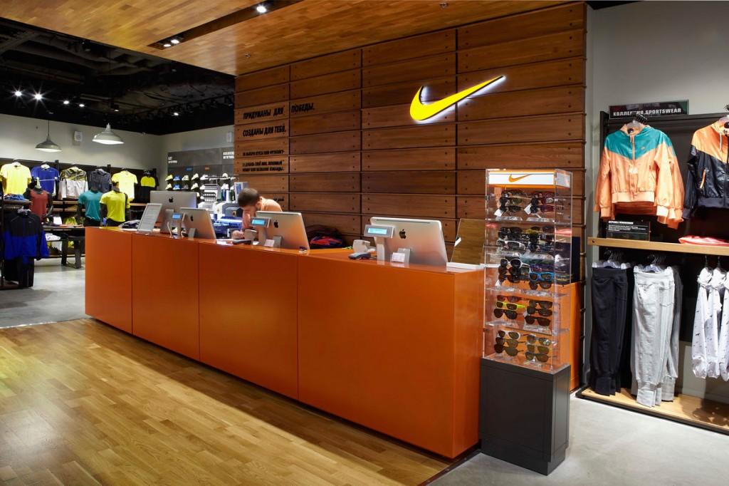 Магазин спортивной одежды Nike — история успеха, деятельность ... 454a1f94f72